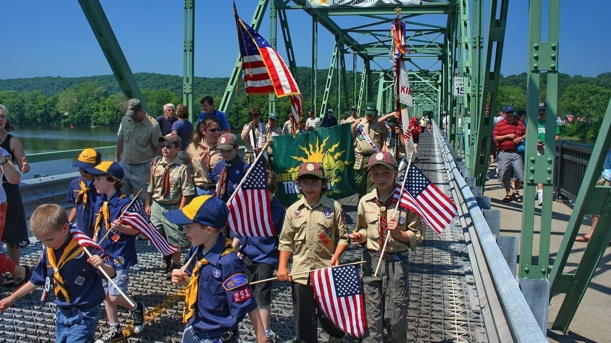 NJ Events: Memorial Day Parade, Frenchtown, NJ, Bridge