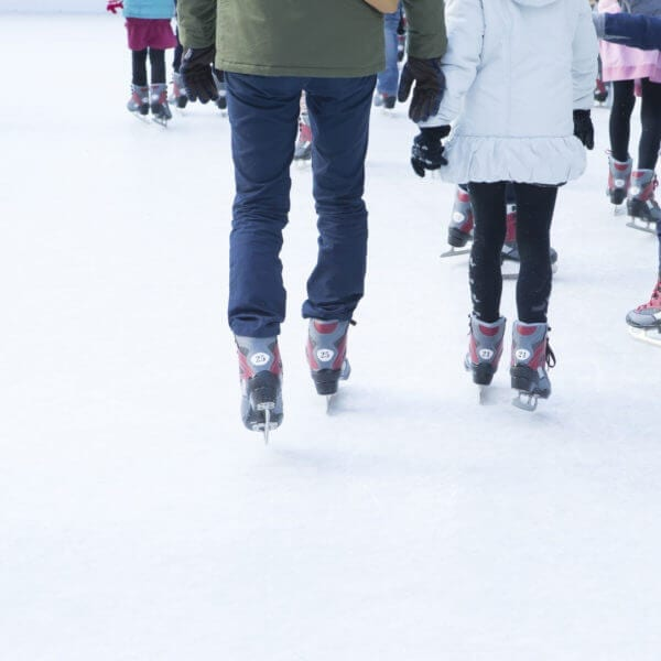 best-outdoor-ice-skating-and-ponds
