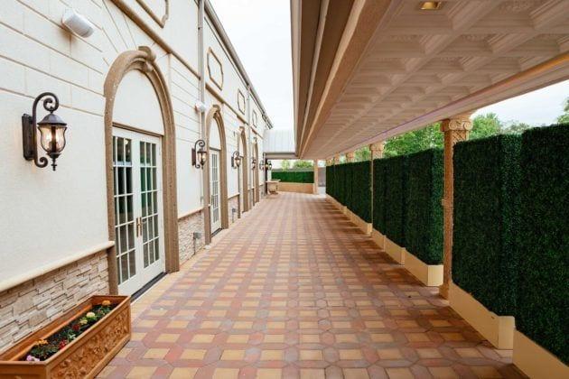 Park Villa Foyer