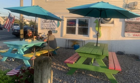 Mad Fish Co Outdoor seating